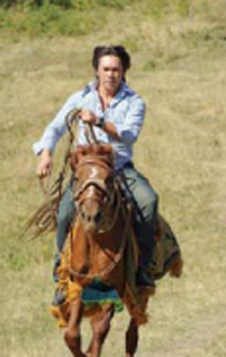 A_man_riding_horse
